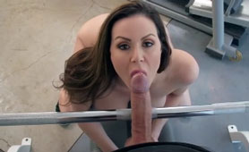 Kendra Lust Leaves the Last Breath On a Big Dick in the Gym