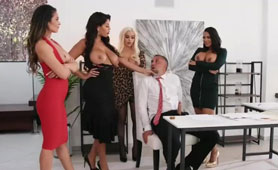 Four Horny Bitches Wants is the Same Cock - Fivesome Porn Tube