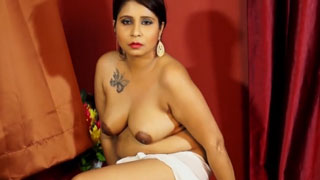 Chubby Indian Wife Shows Her Boobs